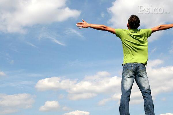 El alcance de una autoestima sana se encuentra en uno mismo y no en los demás o en factores externos.