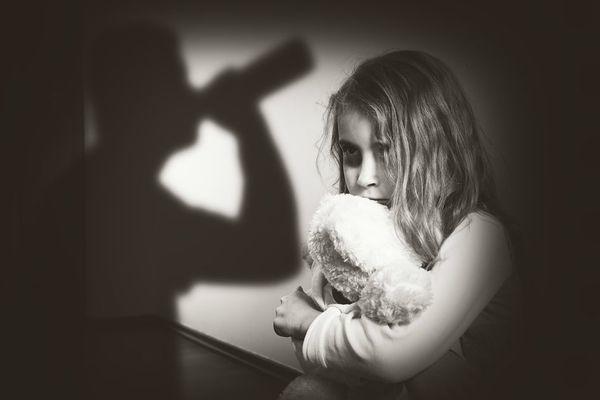 Hijos de alcohólicos tienden a ser más agresivos